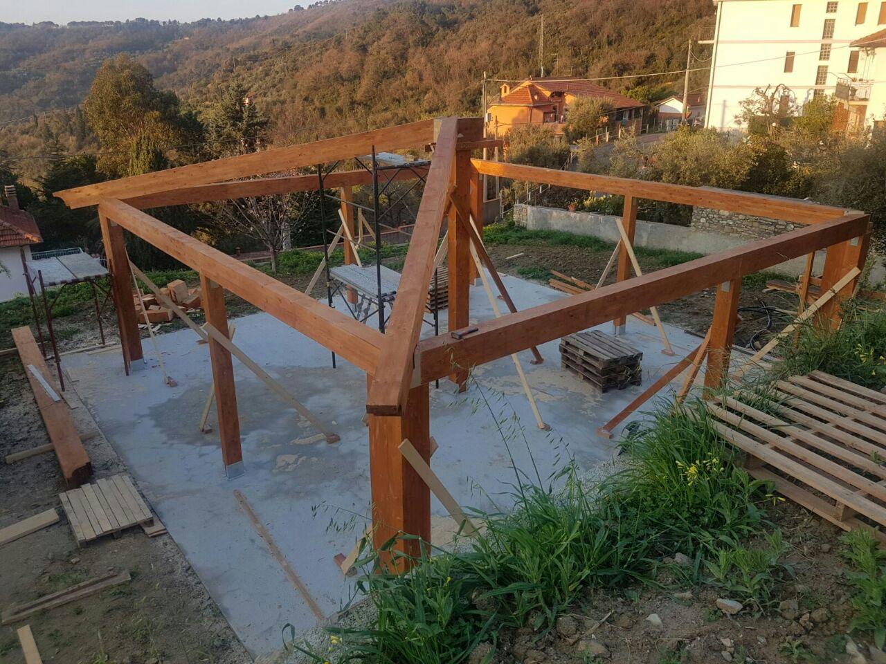 casa prefabbricata in costruzione